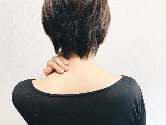 首や肩の痛みについて